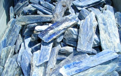 kyanite raw pieces