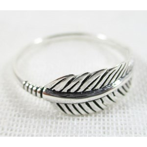 Feather Ring (size P)